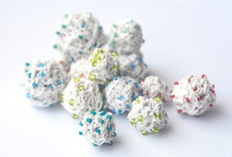 PaperPhine: Perlen aus Papierschnur / Papiergarn gehäkelt